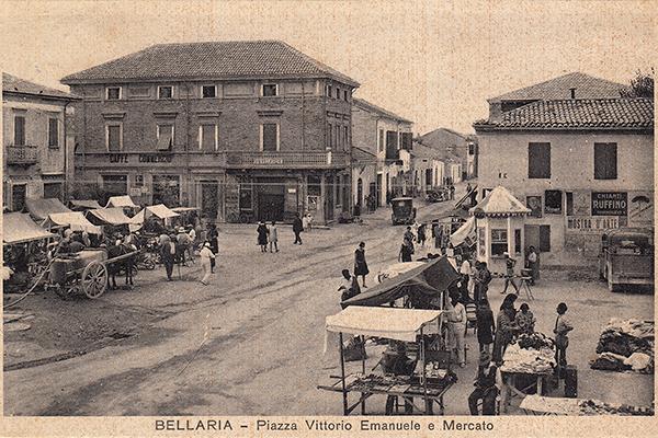 Bellaria, la Piazza, cartolina, Archivio LDRS