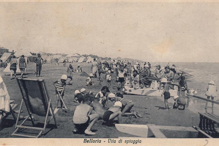 Vita da spiaggia, cartolina anni '30, Laboratorio di documentazione e ricerca sociale